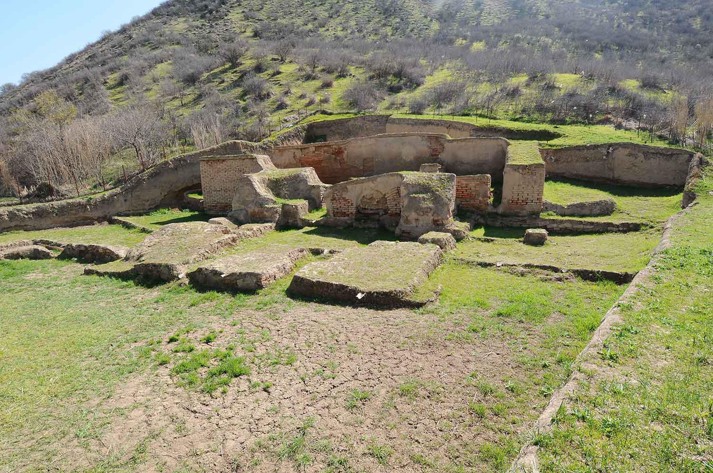 کارگاه کاوش قره دیب  روستای کسر شهرستان کلاله