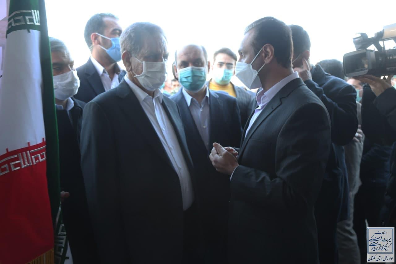 بازدید معاون اول ریاست جمهوری از نمایشگاه توانمندیهای میراثفرهنگی و صنایعدستی استان گلستان