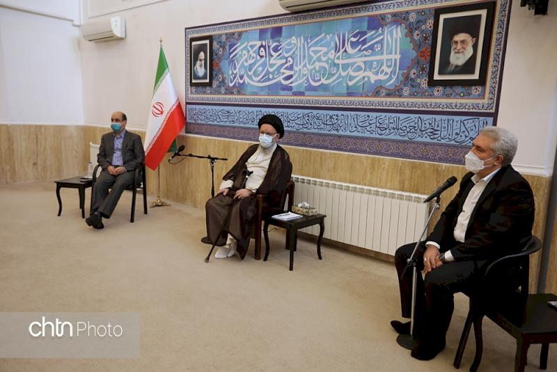 دکتر مونسان در دیدار با نماینده ولیفقیه در استان گلستان تأکید کرد: